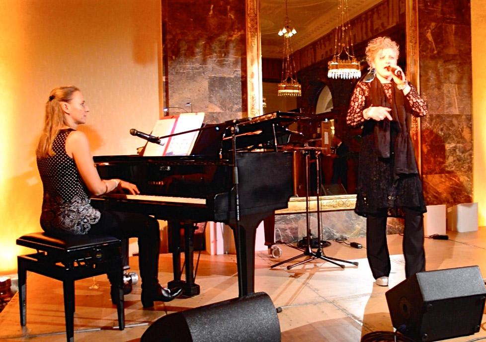Dora Michel und Claudia Zinserling